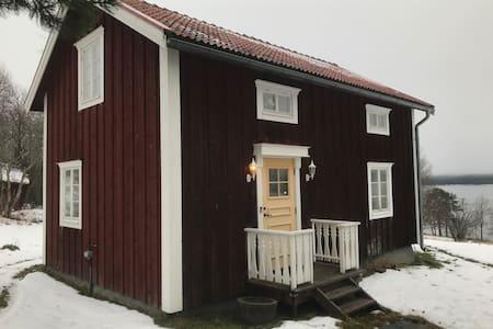 Mysig stuga mellan Östersund och Åre.