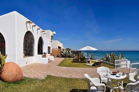 Casa con encanto junto al mar