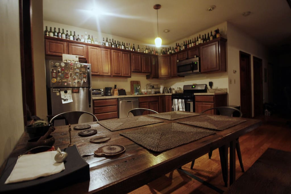 Kitchen and dining table!