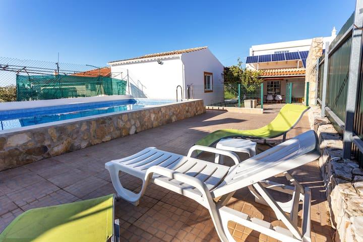 Cillya Room!Unique Exclusive Faro Pool Villa Room