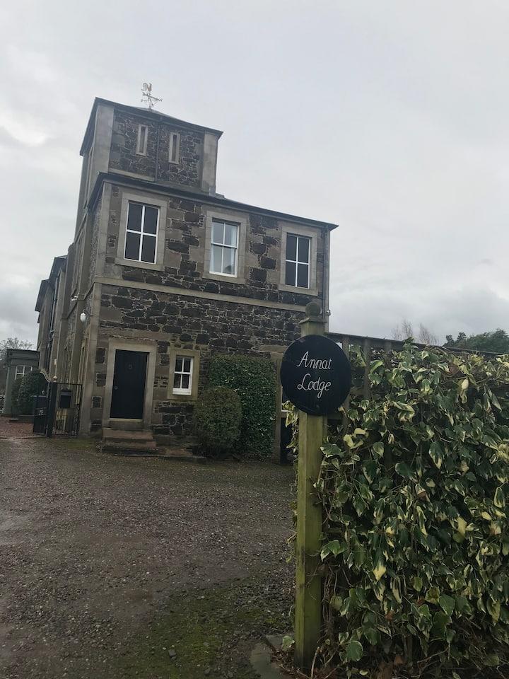 Annat Lodge, Tower flat