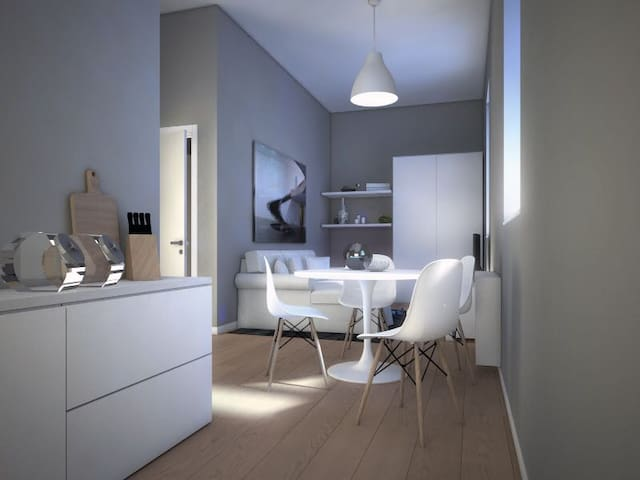 Monza Apartments, 702