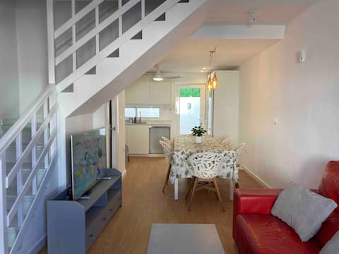Spacious newly renovated duplex 300m from the beach