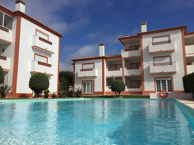 Deluxe One Bedroom Flat in Del Rey Beach & Golf - Amoreira - Apartament