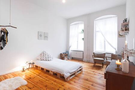 Big room (20m2) in the hipster heart of Neukolln! - Berlin - Apartment