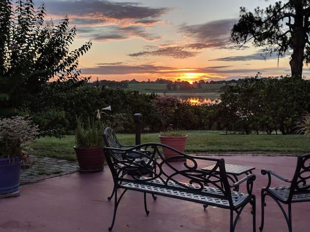 PRIVATE LAKE HOME-(on Citrus Farm) btwn Tpa & Orl