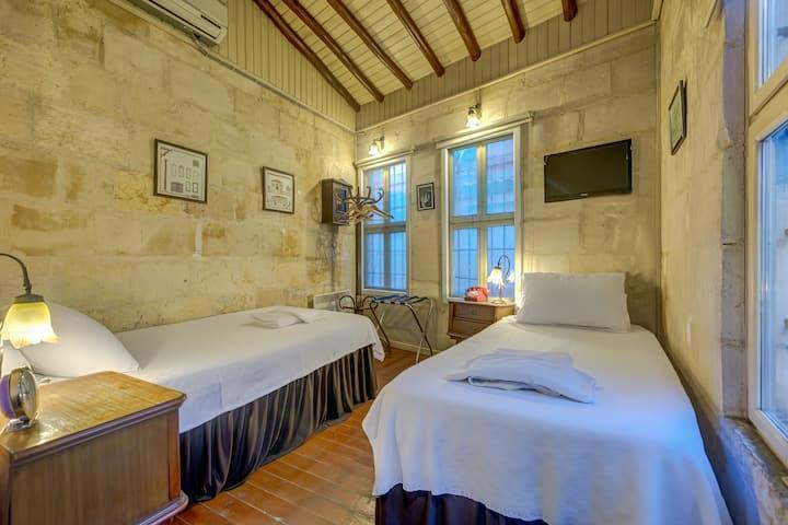 Historical Stone Mansion | Economy Twin Room