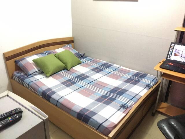 Minimal Cozy  bedroom @ Spintex