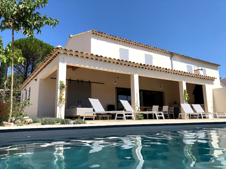 Villa Vintour: Relax by the pool - Enjoy the view