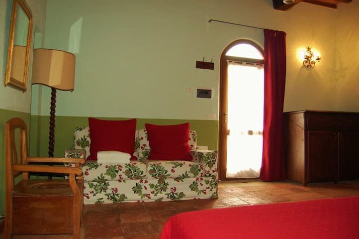 La Chiesa double room b&b