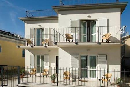 APPARTAMENTO FRONTE MARE PRIMO PIANO - Marcelli - Apartment