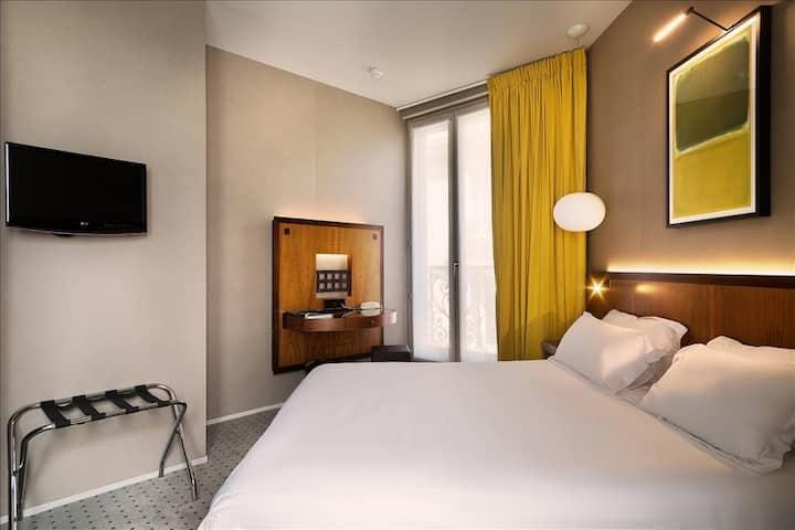 Your Parisian suite - Free breakfast