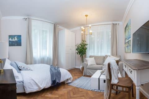 Comfortable, quiet apartment in the city centre