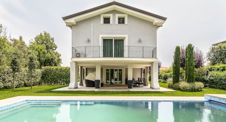 Villa Sparkle