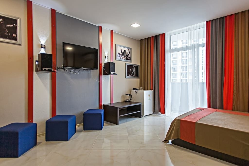 Rock hotel first line appart 39 h tels louer batumi for Louer appart hotel