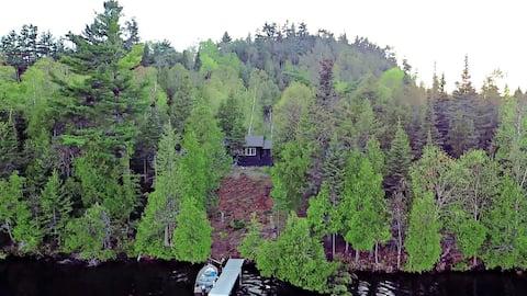 A Cabine Solar LooseMoose com 700 pés de Lakeshore