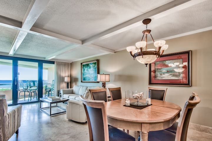 2BR Gulf Front Condo with Great Amenities!