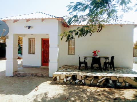 Maun,stay with locals/near the airport