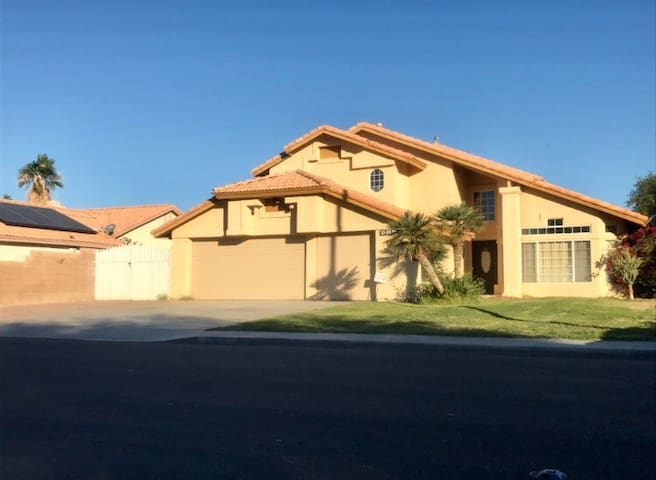 Large 4bed 3bath With Rv parking & large driveway