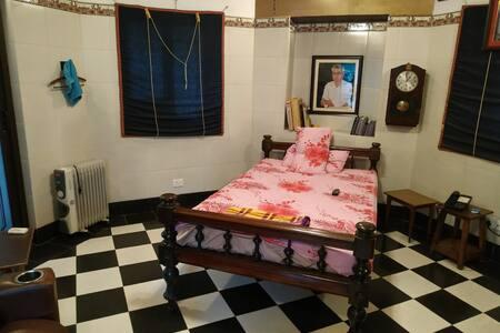 Ambient Private Bedroom @ Bakshi Heritage