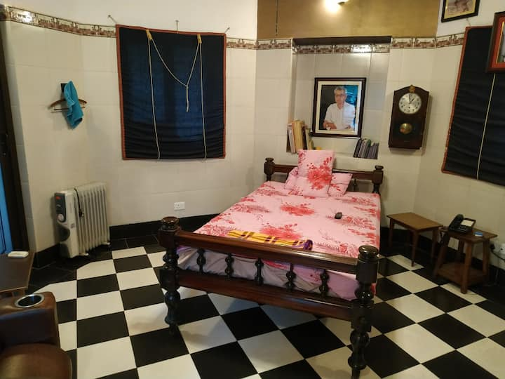 Ambient Private Bedroom @ Bakshi Heritage