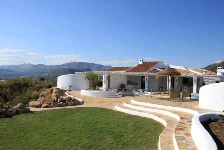 Private hilltop villa, 360º views