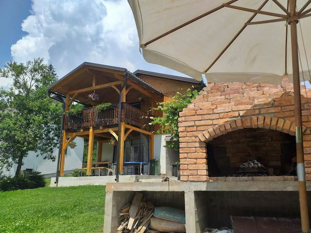 "Holiday Cottage ""Lujzijana"" with garden+streamlet"
