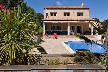 Ferienvilla mit Pool, W-Lan und Klimaanlage - Les Tres Cales