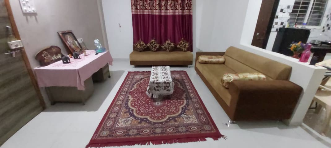 Inexpensive 2bhk flat near Rankala - 5 mins walk