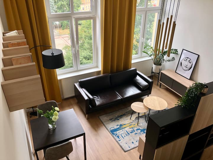 Booker Apt / Right in the CITY CENTER