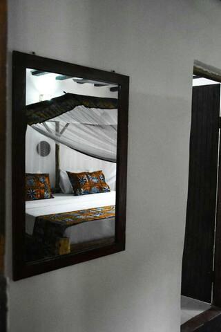 Tumbo Swahili Villa 'Entire Home & Master bedroom'