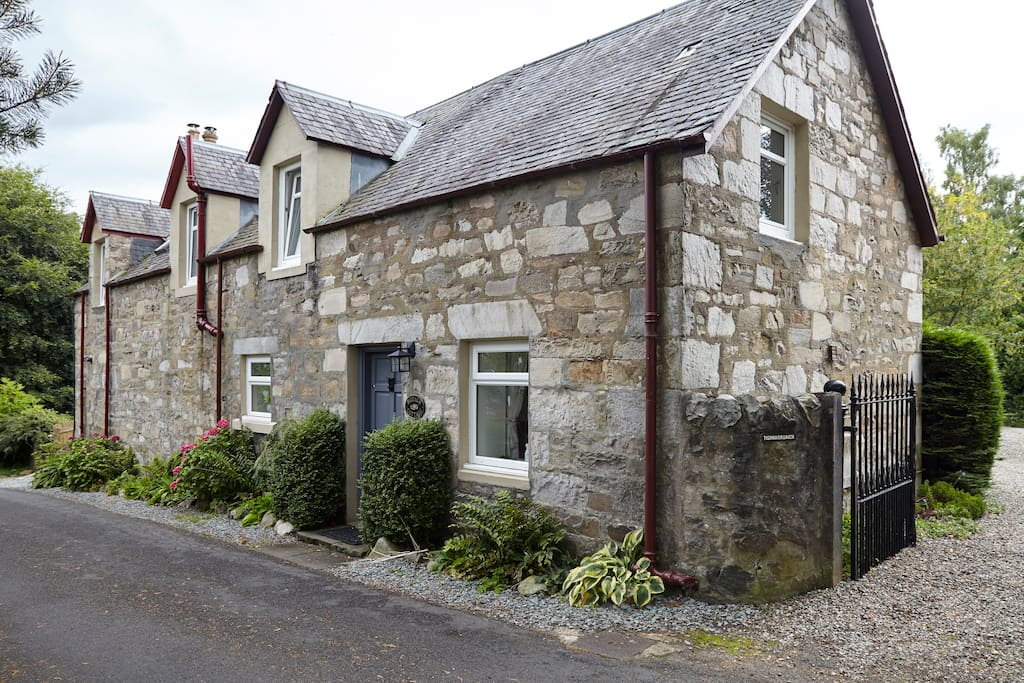 Cosy Clean Homely Traditional Scottish Cottage