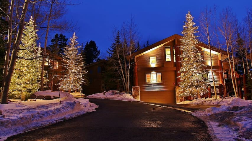 Epic ski in/out home in Deer Valley
