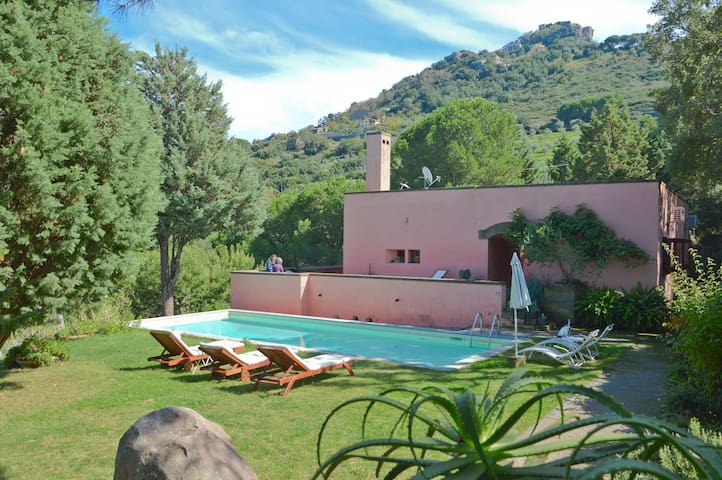 Villa Cecilia with swimming pool near Cefalu - Pollina - Villa
