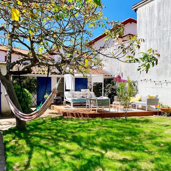 Maison basque avec jardin à 2 pas de la plage..