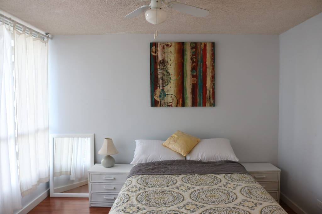 Bright Room, Full size bed.  Extra bedding is available