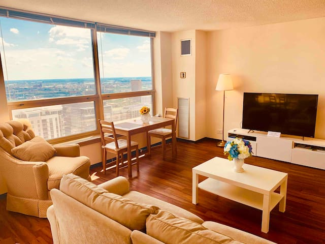 Great location Downtown apartment Nice view
