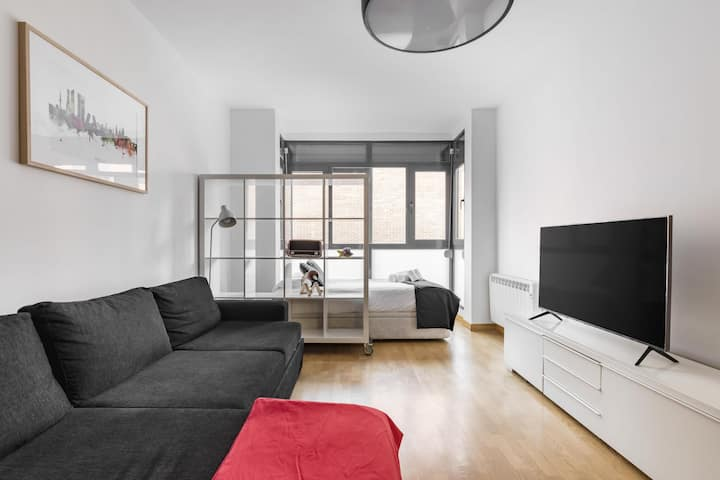 Spacious and bright studio in Ciudad Lineal, Madrid