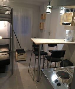 Studio cosy pour 3 personnes.