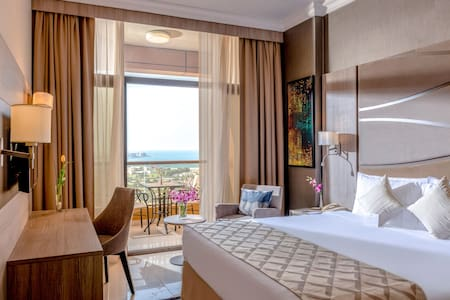 Premium Suite Sea View Bedroom