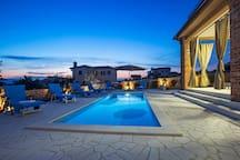 Prekrasna luksuzna Villa NATHALIE