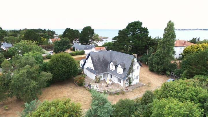Maison de charme  près du port naturel du Toulru