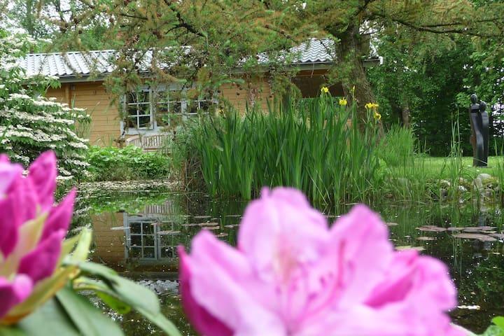 """""""dat lüttje Gartenhuus"""", idyllisch - Weesby - Pensió"""
