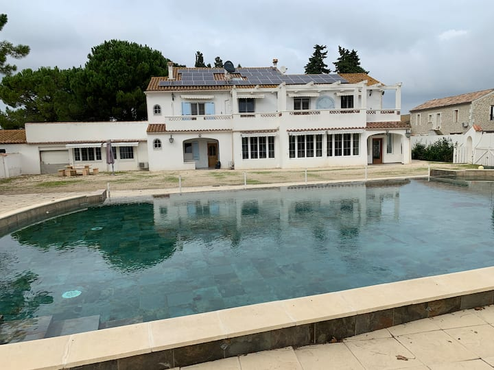 LUXURIOUS ****GUEST HOUSE IN  CAMARGUE