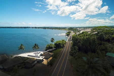 New Listing 2BD Oceanfront room - walk to downtown - House