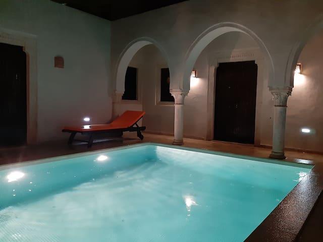 Maison Djerbienne authentique avec piscine privée