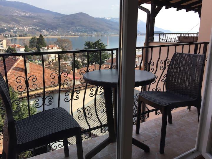 Villa Stefanija lake room
