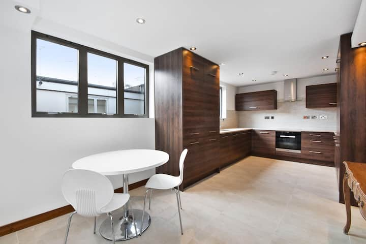 Penthouse apartment in Harrow
