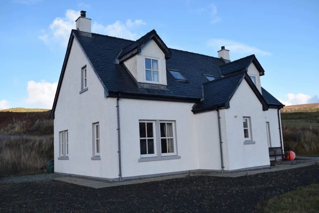 Stunning, peaceful setting, the perfect base for your holiday on the Isle of Skye.