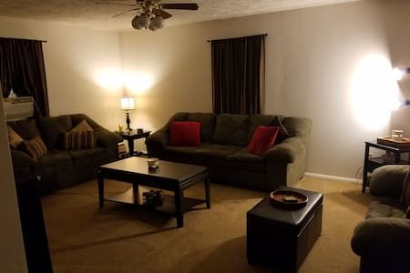 Pocono Getaway House Close to Many Activities - East Stroudsburg - Hus
